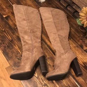 Knee High Heeled Lace Boots